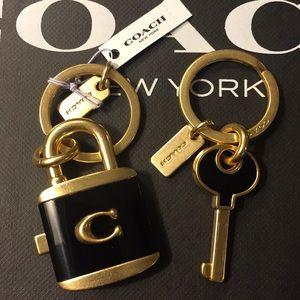 COACH - LOCK & KEY BAG CHARM RING / KEYCHAIN (NWT)